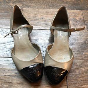 Chanel two tone CC ballerina flats/Mary janes